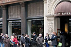 Gramercy Tavern's Free Gift Cards Spark Gourmet Bread Line