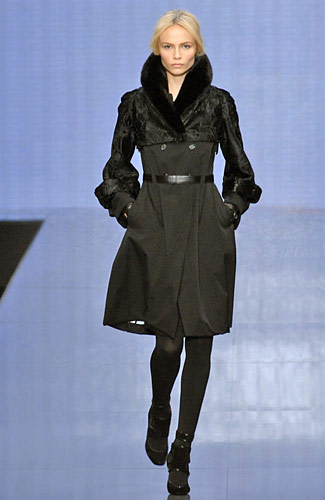 http://images.nymag.com/fashion/fashionshows/2008/fall/main/europe/womenrunway/celine/images/6.jpg