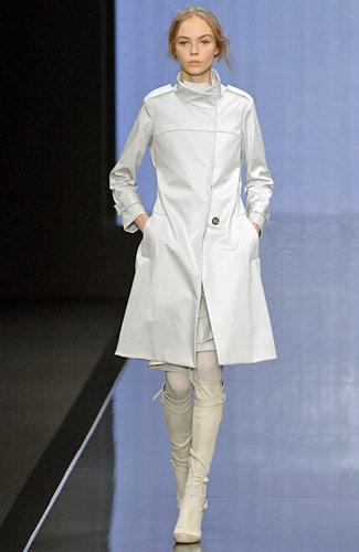 http://images.nymag.com/fashion/fashionshows/2008/fall/main/europe/womenrunway/celine/images/8.jpg
