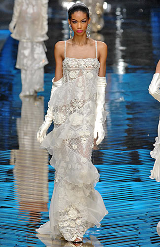 Valentino - Valentino - Spring 2008 Collection :  modern style trend gown