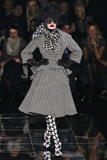 ALEXANDER McQUEEN::Paris Runway Fall 09 No. 1 :  fall 09 design designer platforms