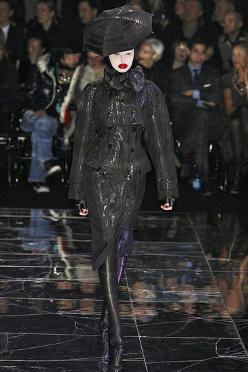 ALEXANDER McQUEEN::Paris Runway Fall 09 No. 9ish :  fall 09 runway designer dress alexander mcqueen