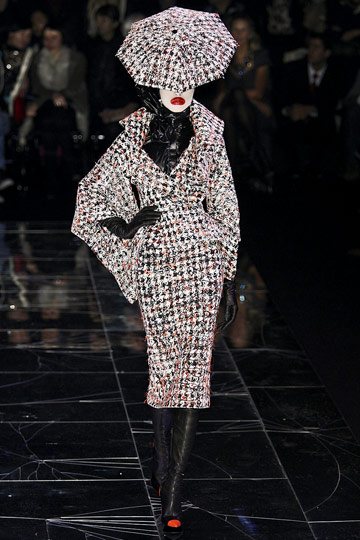ALEXANDER McQUEEN::Paris Runway Fall 09 No. 2 :  fall 09 design designer platforms