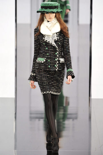 Chanel Fall 2009 RTW :  luxe style jackets cocktail