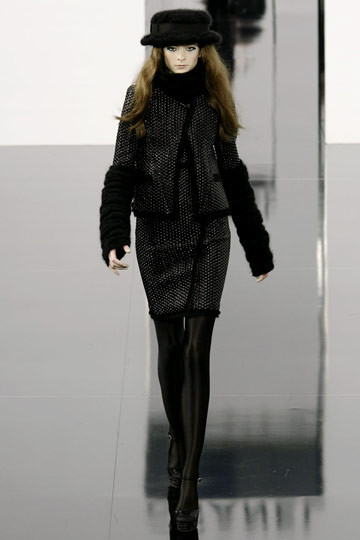 Chanel Fall 2009 RTW :  luxe style flirty jackets