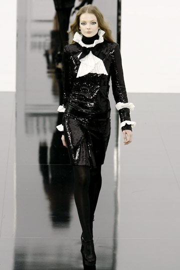 Chanel Fall 2009 RTW :  luxe designer sexy evening