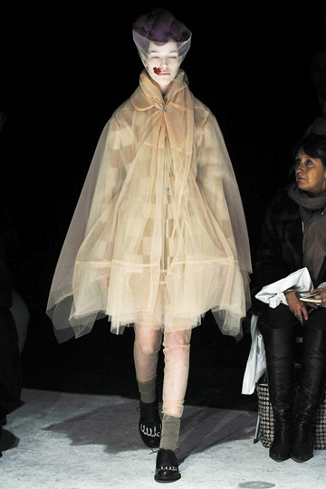 Comme des Garons Fall 2009 RTW :  paris fashion week comme des garcons fall 2009