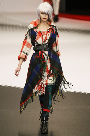 Jean-Charles de Castelbajac Fall 2009 RTW :  luxe evening coats womens