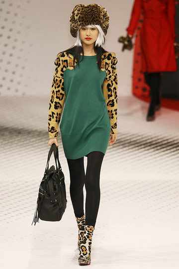 Jean-Charles de Castelbajac Fall 2009 RTW :  chic style cocktail womens