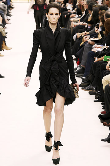 Louis Vuitton Fall 2009 RTW :  black dress cocktail womens dresses