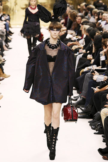 Louis Vuitton Fall 2009 RTW :  luxe modern style jackets