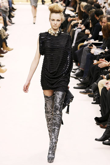 Louis Vuitton Fall 2009 RTW :  modern evening cocktail dress evening dress