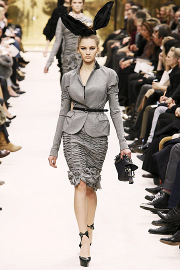 Louis Vuitton Fall 2009 RTW :  modern cocktail skirts evening