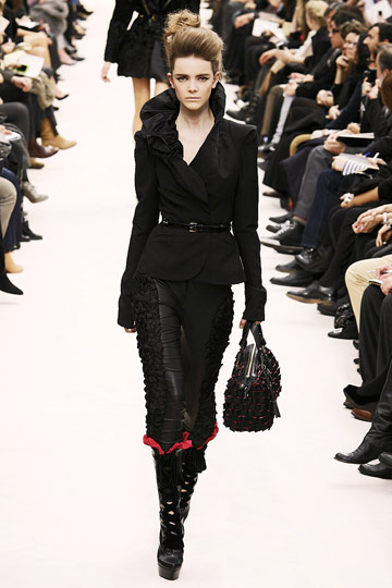 Louis Vuitton Fall 2009 RTW :  luxe flirty louis vuitton cocktail