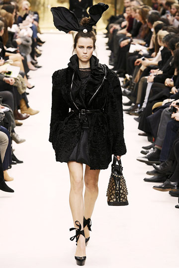 Louis Vuitton Fall 2009 RTW :  luxe style flirty louis vuitton