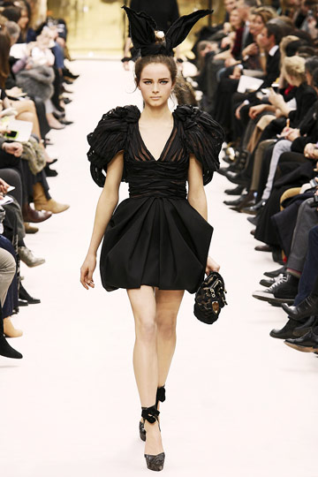 Louis Vuitton Fall 2009 RTW :  black dress cocktail womens skirts