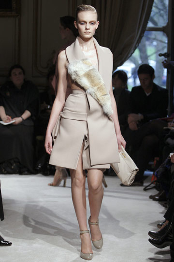 Miu Miu Fall 2009 RTW :  modern evening dress chic stylish