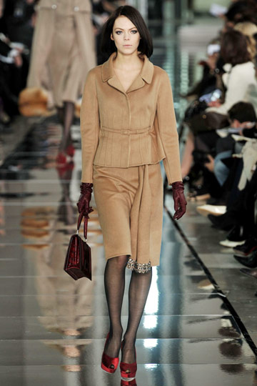 Valentino Fall 2009 RTW :  luxe designer womens style