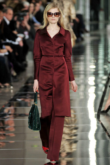 Valentino Fall 2009 RTW :  modern hollywood glamour glamorous womens fashion