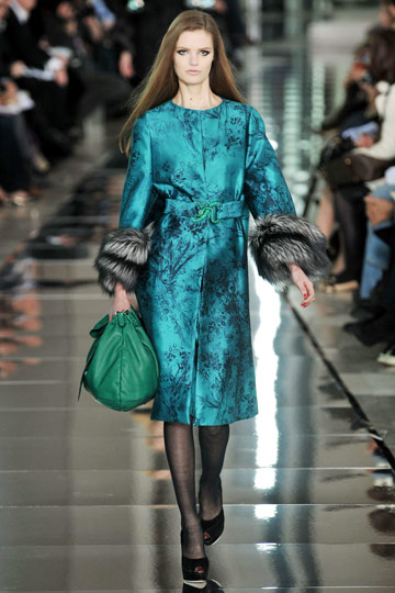 Valentino Fall 2009 RTW :  luxe modern style green