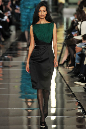 Valentino Fall 2009 RTW :  modern chic stylish glamour