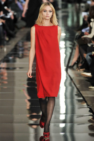 Valentino Fall 2009 RTW :  chic style cocktail womens