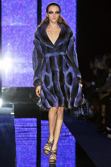 Versace Fall 2009 RTW :  luxe modern style womens