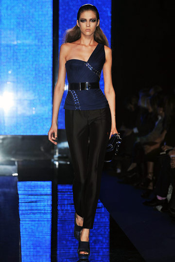 Versace Fall 2009 RTW :  modern chic stylish glamour