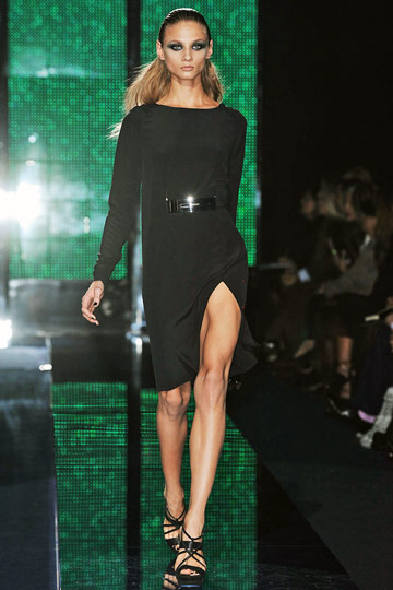 Versace Fall 2009 RTW :  stylish cocktail womens hollywood glamour