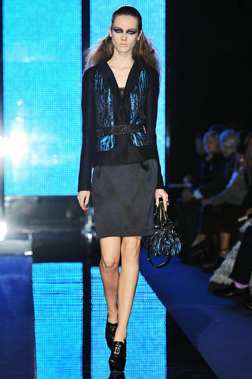 Versace Fall 2009 RTW :  stylish glamorous designer dress