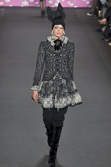 ANNA SUI::More of It