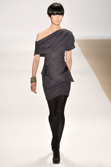 Yigal Azrouël - Yigal Azrouël - Fall 2009 Collection :  yigal azrouel designer dress draped