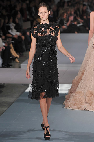 Elie Saab Spring 2009 Couture :  modern evening dress chic stylish