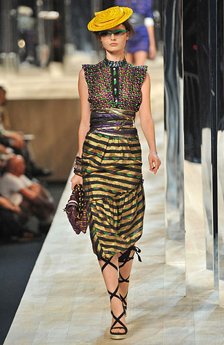 Marc Jacobs - Marc Jacobs - Spring 2009 Collection# :  marc jacobs ss09 long sleeves asymmetrical