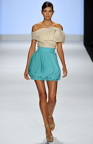 Project Runway: Leanne - Project Runway: Leanne - Spring 2009 Collection :  leanne spring 2009 project runway empire waist