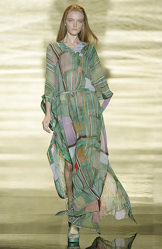 Rosa Cha Spring 2009 RTW :  beach womens fashion modern style