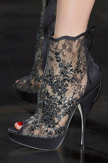 Details of Christian Dior Fall 2010  Collection