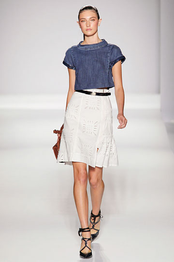 Sportmax Spring 2011 RTW :  a line retro stand collar grunge