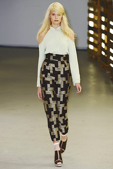 Rodarte Spring 2011 RTW :  long sleeves pointed collar fall summer