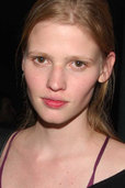 picture of Lara Stone