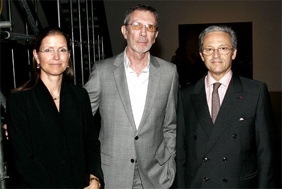 Christina and Guy Wildenstein, with Arne Glimcher (center).