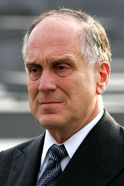 Ronald Lauder, mayormaker?