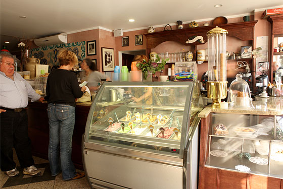 Gelato and espresso at Manducatis Rustica.