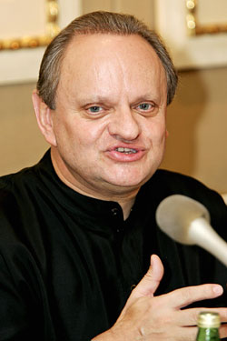 Joël Robuchon Is Back in the USA