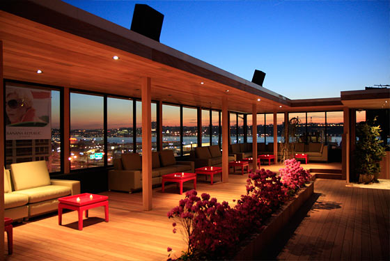 Hudson terrace launches happy hour serves oxymoronic for Terrace on the hudson