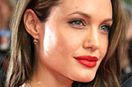 Angelina Jolie Is Not Too Good for Café Metro; Katie Couric Faces Her Karaoke Fears at Jake's Saloon
