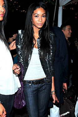 Chanel Iman Falls Down Sometimes, Texts Kanye West