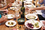 Bloggers Struggle to Stop Social-Media ADHD at Dinner