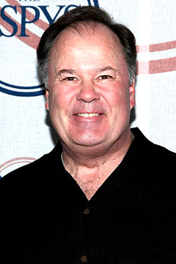 Dennis Haskins 'Subdued' Over Drinks; Katie Couric Eats Italian