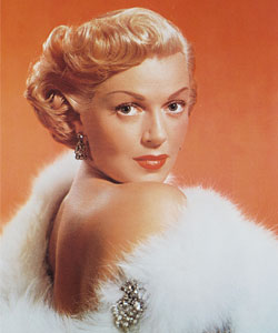 Lana Turner, who was discovered at the Hollywood drugstore Schwab's, is not even as hot as our commenters.